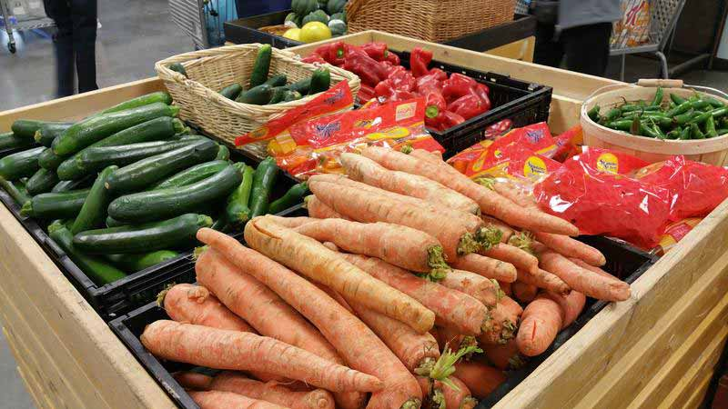 Fresh produce at Roadrunner Food Bank's Healthy Foods Center ED WILLIAMS
