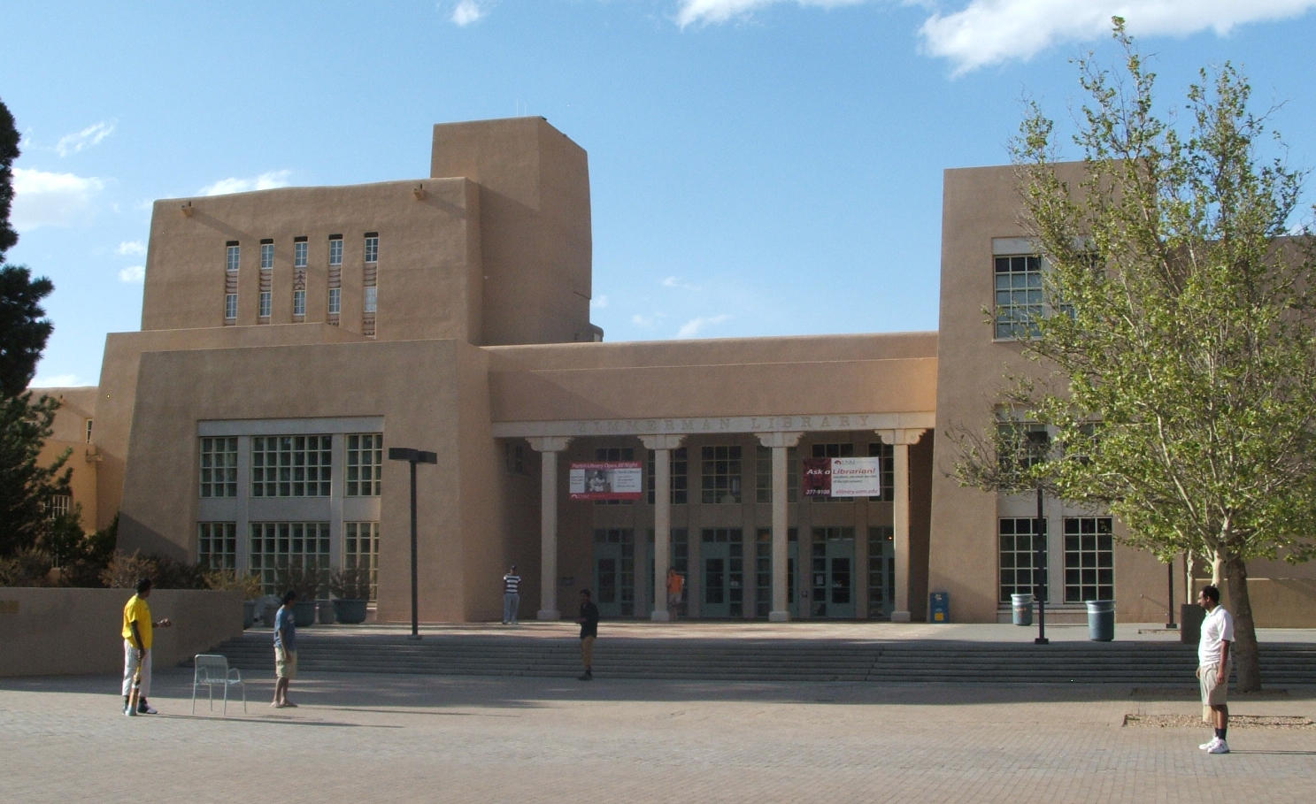 Zimmerman Library, UNM campus PerryPlanet / Wikimedia Commons, public domain license`