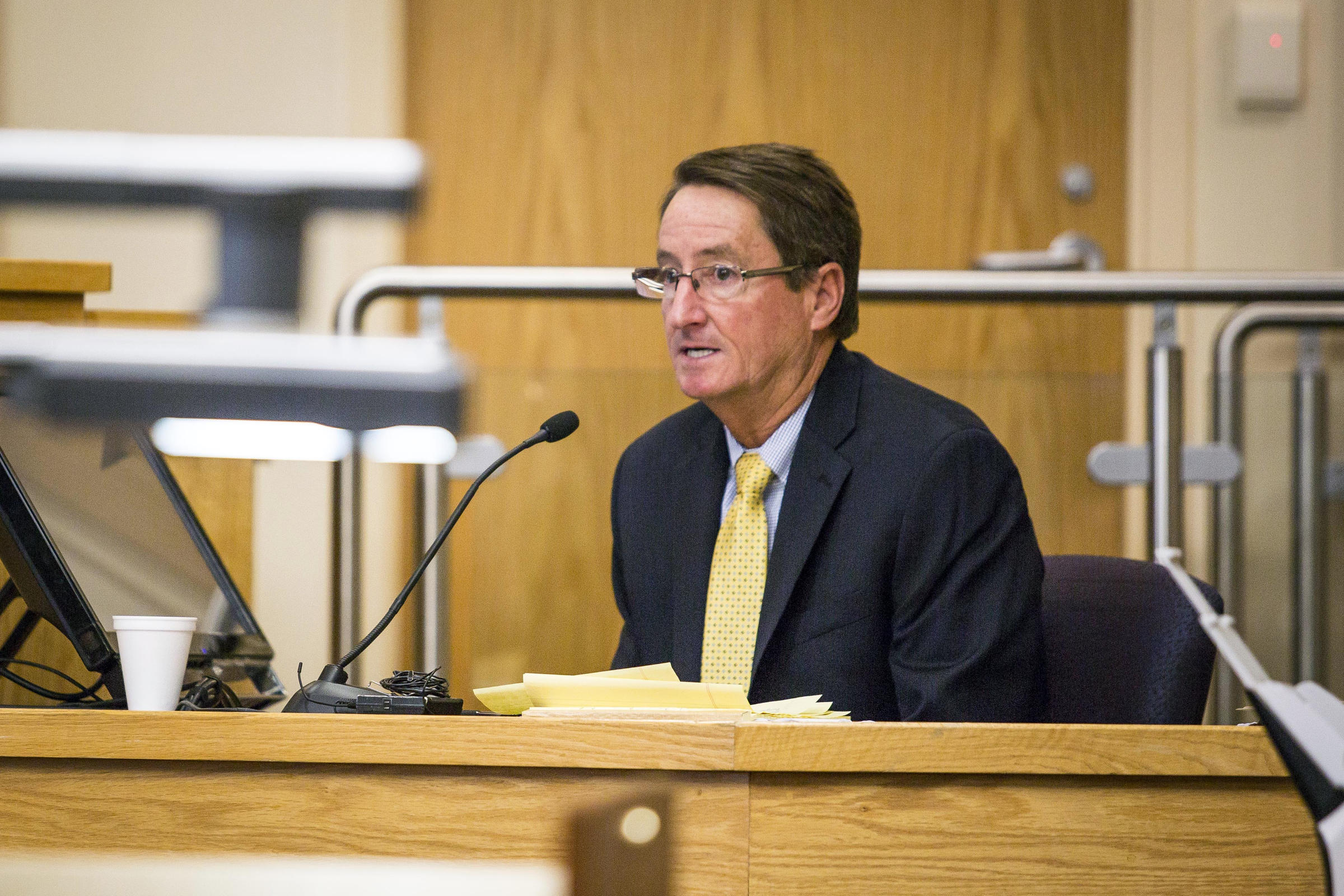 Expert witness Jeffery Noble takes the stand as the second witness in the trial of former Albuquerque police officers Dominique Perez and Keith Sandy who are charged with the 2014 murder of James Boyd in Bernalillo County court Monday, September 19, 2016 in Albuquerque, NM. (AP Photo/Juan Labreche)